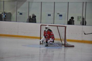 Продолжается отборочный этап игр Ночной хоккейной лиги в Норильске