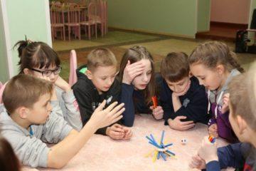 Норильские газовики подарили воспитанникам школы-интерната настольные игры