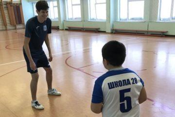 """Игроки МФК """"Норильский никель"""" провели очередные занятия для школьников"""