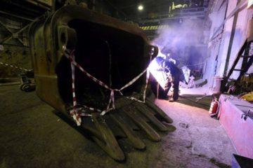"""Специалисты """"Норильсктрансремонта"""" ремонтируют экскаваторы по технологии Уралмашзавода"""