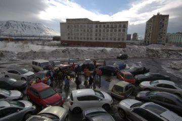 """В Норильске на прилегающей к детской больнице территории появилось """"авто-солнце"""""""