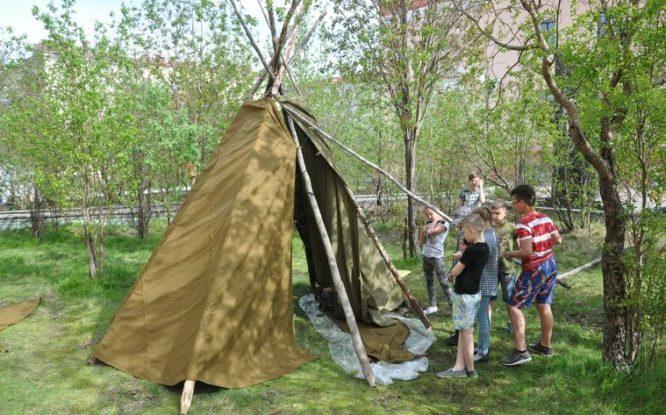Юные норильчане узнали, как возводить чум и чем отличаются национальные костюмы коренных народов севера