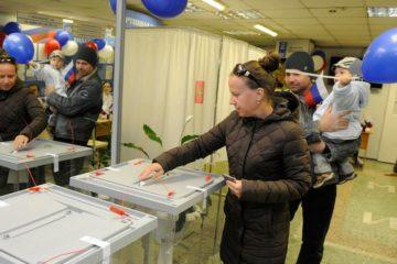 Элла Памфилова представила Владимиру Путину главу участковой избирательной комиссии из Норильска