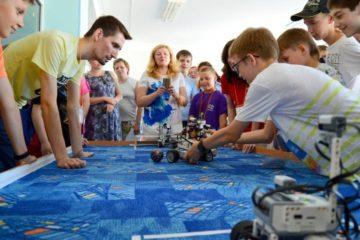 """Ученики программы """"РОБОНИКЕЛЬ"""" участвуют в международных соревнованиях RoboChallenge в Румынии"""