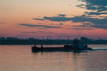 Более 1,5 миллиона тонн грузов для «Норникеля» перевезут речники