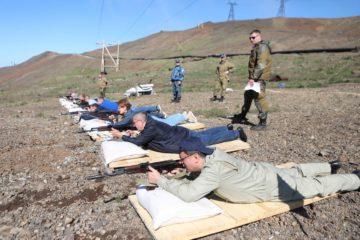 Норильские власти учатся стрелять