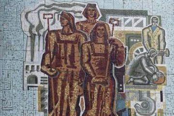 В Норильске восстановили мозаичные панно советских времен