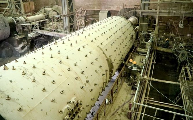 На руднике «Октябрьский» завершается уникальный ремонт сырьевой мельницы закладочного комплекса