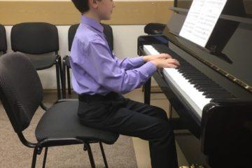 Детские школы искусств города Норильска получили новые пианино