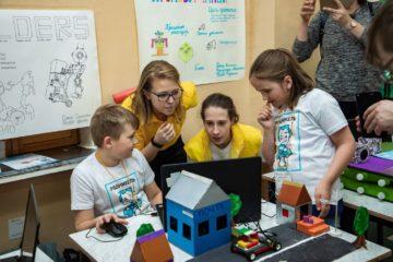 Ученики «РобоНикеля» едут на соревнования в Эстонию