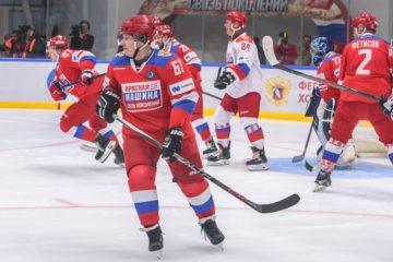 Традиционный хоккейный матч «Связь поколений» прошел при поддержке «Норникеля»