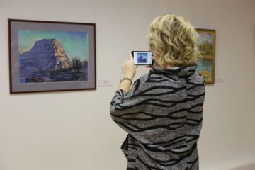 В Международный день художника в Норильске открыли «Северную коллекцию»