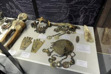 Предметы шаманского культа, обереги и идолы из коллекции музея на Ламе выставлены в Норильске