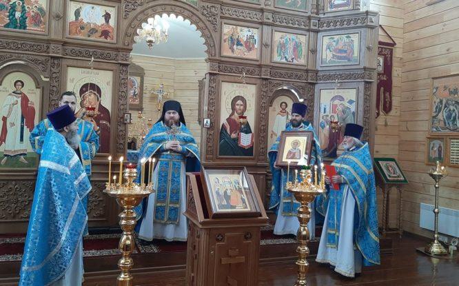 Глава Норильска подарил икону храму в Снежногорске