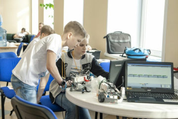 Ученики «РобоНикеля» представят край на всероссийских соревнованиях по робототехнике в Красноярске
