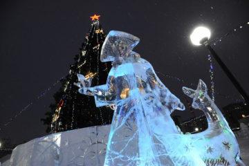 Новогодние елки в районах Норильска демонтируют в течение недели