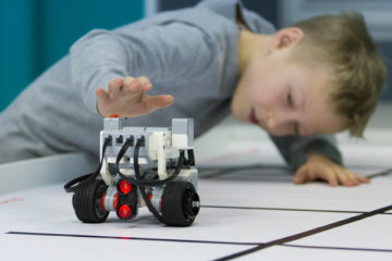 В Норильске прошел региональный дворцовый турнир по робототехнике среди школьников
