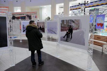 В Норильске стартовал фестиваль моды и современного искусства «Черное пальто»