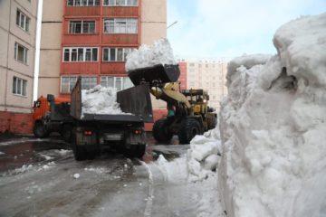 80 тонн снега вывезли с начала года из кайерканских дворов