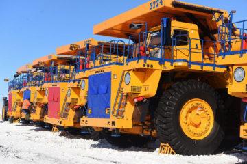 Рудник «Заполярный» получил восемь новых БелАЗов и экскаватор Liebherr