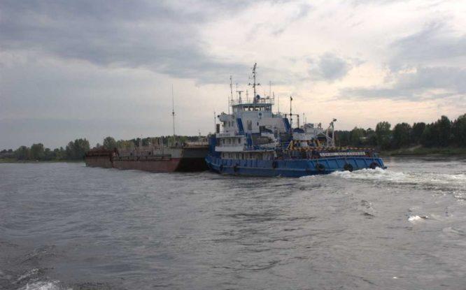 Первый караван Енисейского пароходства отправился на реку Подкаменная Тунгуска