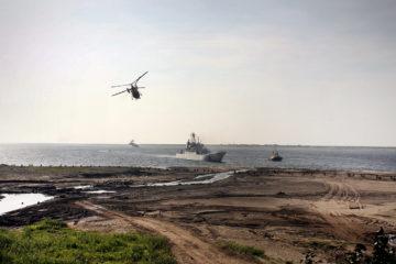 Знамя Победы развернут российские военные на побережье Таймыра