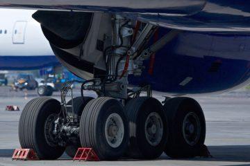 Летевший в Норильск самолет «Почты России» экстренно вернулся в аэропорт Красноярска