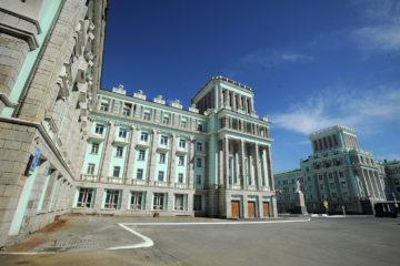 Дмитрию Свиридову рассказали о реновации исторического здания на Ленинском и о других городских проектах
