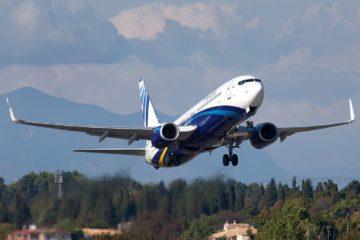 На борт самолета не пустят без маски и перчаток