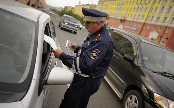 Водительские права и техпаспорта в России предлагают изменить