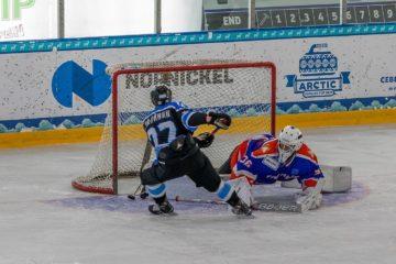 В Дудинке стартовал турнир по хоккею «Кубок северных городов»
