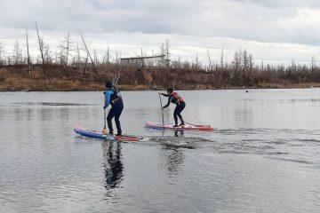 В Норильске открылась самая северная школа сапсерфинга