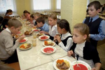 Для норильчан заработала горячая линия по вопросам школьного питания
