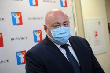 Николай Тимофеев попросил отменить 14-дневную изоляцию для приезжающих в город