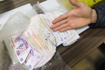 В Карауле двое юношей ограбили магазин на 215 тысяч рублей
