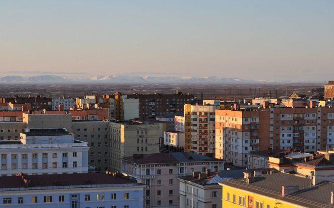 «Норникель» готов выделить 42 миллиарда рублей на реновацию жилья в Норильске