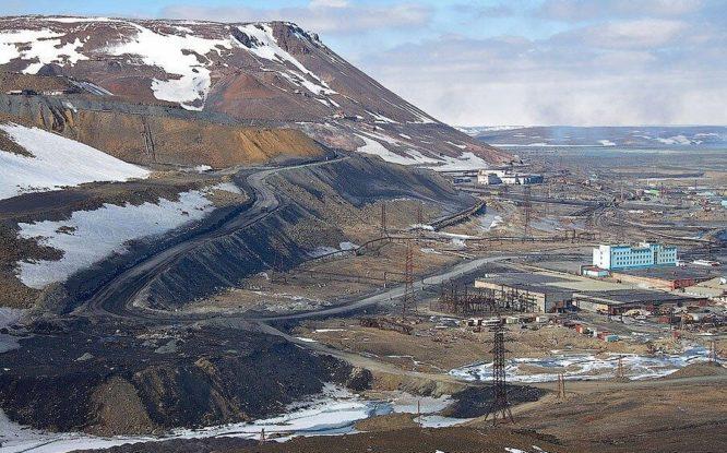 Впервые геолог Владимир Домарев исследовал гору Рудную в 1925 году