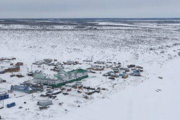 В Усть-Авам и Волочанку отправили восемь машин с продовольствием