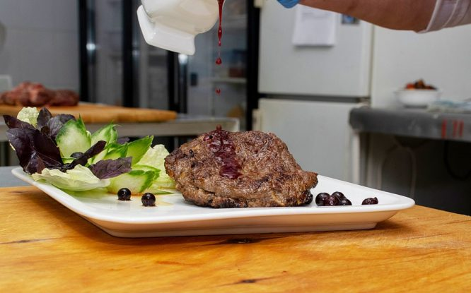 Шеф-повар представила классику таймырской кухни