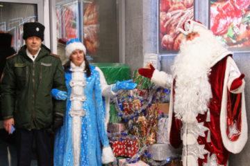 Полицейский Дед Мороз навестил норильских детей