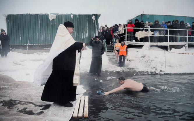 В Норильске отменили крещенские купания