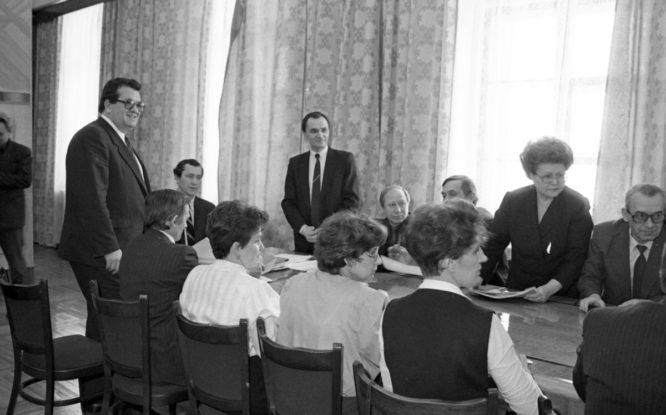На закате советской эпохи Коллективный договор на НГМК считался надежнее Конституции