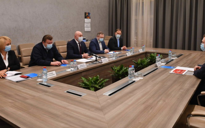 Краевой министр и старший вице-президент «Норникеля» обсудили планы развития внутрикраевой кооперации