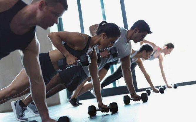 Клиентам фитнес-центров России вернут часть денег