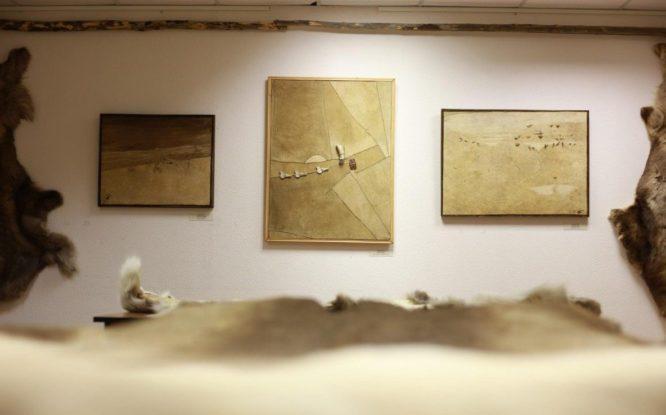 Выставка долганского художника впервые открылась в Талнахском музее