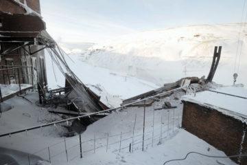 На Норильской обогатительной фабрике обрушилось здание пункта перегрузки руды и пешеходная галерея