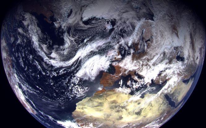 Новый «полярный» спутник прислал первые фото Арктики
