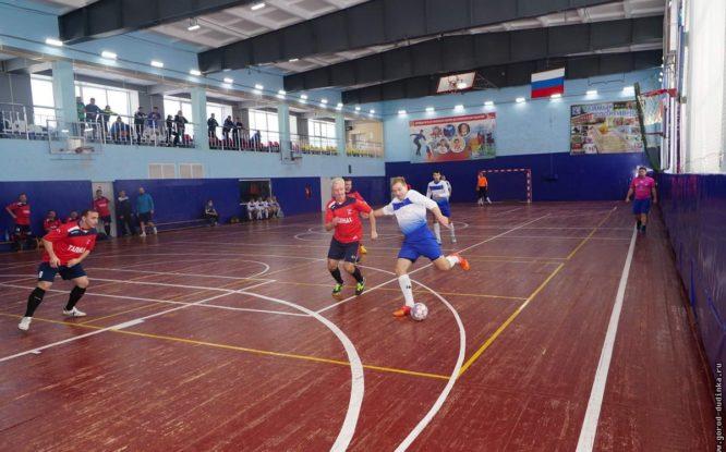 Стартовал Кубок северных городов по мини-футболу среди ветеранов
