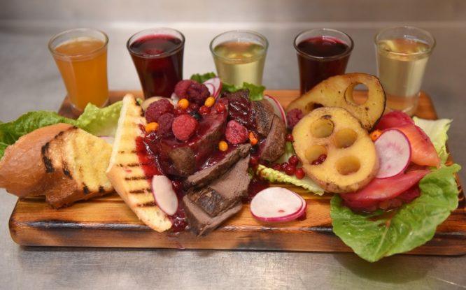 Оленья вырезка с таежной картошкой – хорошее блюдо для воскресного семейного обеда