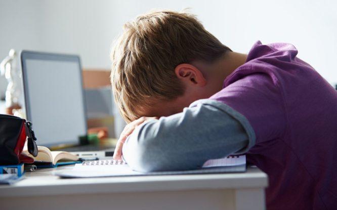 Из-за дистанционки у школьников начались проблемы со здоровьем
